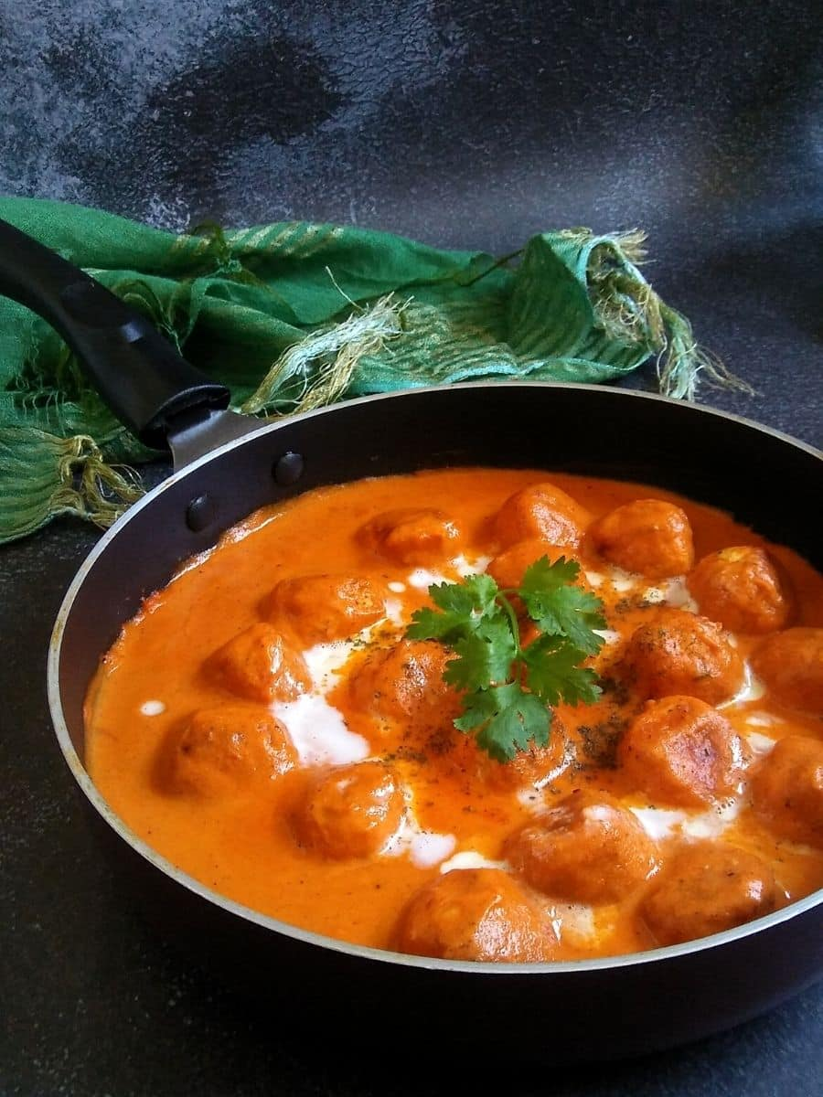 Chicken Meatballs cooked in Makhani gravy