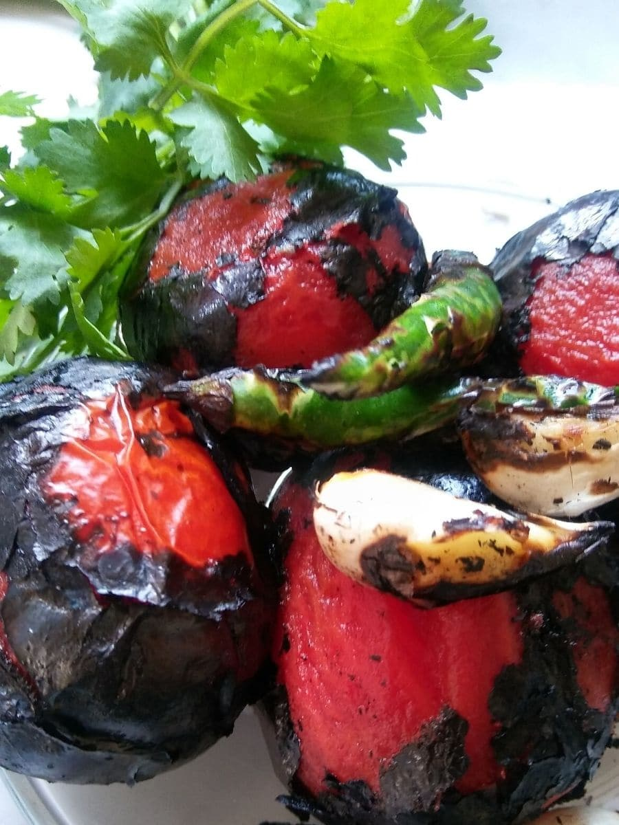 Fire  roasted tomato, green chili, and garlic for chutney
